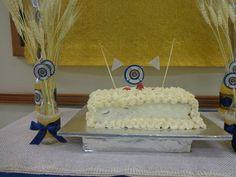 As garrafinhas com o símbolo da Soc Soc os trigos deram um charme na decoração.