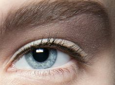 Eyeliner Look von Alexander Wang - Make-up Tipps Eyeliner Hacks, Perfect Eyeliner, Eyeliner Styles, How To Apply Eyeliner, Eyeliner Ideas, Applying Eyeliner, Eyeliner Brands, Applying Makeup, Perfect Makeup