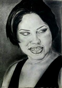 """Estudios de retratos hechos en el 1998, cuando tenía 18 años. Mi hermana era una de mis modelos para estos estudios. Realizado con carboncillo, lápices para dibujo y conté negro sobre papel de 80lbs en formato de 24""""×18""""."""