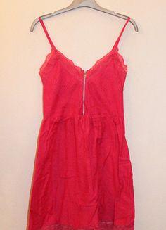 A vendre sur #vintedfrance ! http://www.vinted.fr/mode-femmes/robes-dete/19975254-robe-rose-fuchsia-zippee-bershka