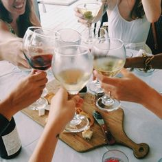 Total relax - spending time with girlfriends over delicious food and drinks #relaxwithsussan