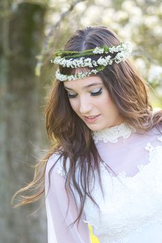 70's Stylized shoot.  #photography #bride #wedding I would love to take pics like this with my mom's dress :)