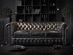 New Living Room Black Leather Couch Chesterfield 15 Ideas Chesterfield Sofas, Leather Chesterfield, Tufted Sofa, Black Couches, Black Sofa, Dark Couch, Best Leather Sofa, Black Leather Sofas, Sofa Design