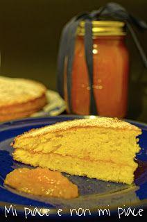 Torta alle Mandorle Farcita con Marmellata di Mele Cotogne