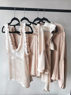 Image uploaded by Jαcoʍ𝒊𝓃𝕖 ♕. Find images and videos about fashion, style and pink on We Heart It - the app to get lost in what you love. Quoi Porter, Plus Size Kleidung, Wardrobe Closet, Fashion Outfits, Womens Fashion, Passion For Fashion, Plus Size Outfits, Kendall, Casual Dresses