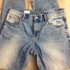 GAP sexy boyfriend jeans Loose boyfriend jeans from GAP. Barely worn and in excellent condition. Waist: 32 in. Rise: 9.5 in. Inseam: 28 in. Leg opening: 13.5 in. GAP Jeans Boyfriend