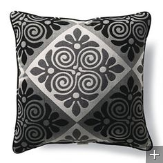 Outdoor Hawaiian Quilt Black Square Pillow