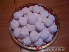 The authentic kourabiedes from N. Karvali Recipe by Cookpad Greece Greek Sweets, Greek Desserts, Greek Recipes, Greek Cookies, Cupcake Cookies, Kourabiedes Recipe, Sweets Recipes, Cooking Recipes, The Kitchen Food Network