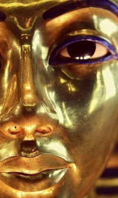 The gold funerary mask of king Tutankhamun, with eyes inlaid with blue lapis lazuli, black obsidian, and white ivory. Ancient Egypt Art, Ancient Aliens, Ancient History, European History, Ancient Greece, Egyptian Mythology, Egyptian Art, Historical Artifacts, Ancient Artifacts