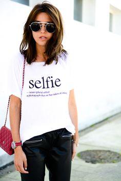 Alexandra Pereira Lovely Pepa Zara leather pants Pull & Bear t-shirt Chanel Woc bag Styligion sunglasses #streetstyle #selfie