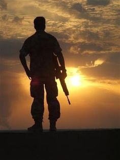 soldier sunset | soldier watches the sunset at the end of his tour in Basra, Iraq ...