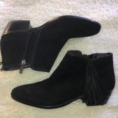 c1a4744b1 Shop Women s Sam Edelman Black size Ankle Boots   Booties at a discounted  price at Poshmark.