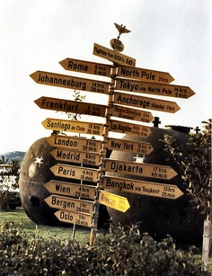 Signage in *Bodö, Nordland County, Norway*    [Photo by Nilia Boman - September 15 2005]'h4d'