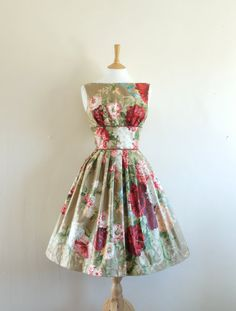 #50s #floral #dress #1950s #partydress #vintage #retro #sundress #floralprint #petticoat #romantic #feminine #fashion