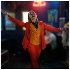 #joker #jokerhalloween #halloweenlook #halloweenmakeup #joaquinphoenix #makeup #makeupartist #halloween #clown Joker Halloween, Halloween Looks, Character Makeup, Joker Tatto, Joker Cosplay, Joaquin Phoenix, Joker Quotes, Make Up, Jokers