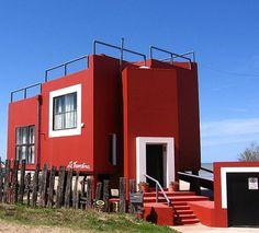 """casa """"la tumbona"""" de clorindo testa en las cercanias de Pinamar, via Flickr."""