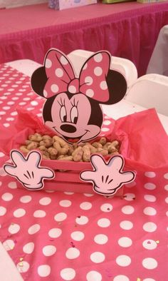 Minnie center piece Minie Mouse Party, Minnie Mouse Theme Party, Fiesta Mickey Mouse, Minnie Mouse First Birthday, Minnie Mouse Baby Shower, Minnie Mouse Pink, Mickey Mouse Parties, Mickey Party, Mickey Mouse Birthday