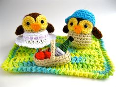 Tiny Owls on a Picnic Amigurumi Collection- Micro Crochet