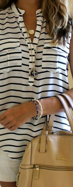 Nautical fashion, simple and timeless. www.boutiqueinabus.com