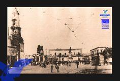 Plaza Principal, se aprecian los tranvias el monumento a Juárez y la Catedra