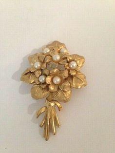 Vintage Marcel BOUCHER Goldtone Faux Pearls VIOLETS BOUQUET Pin Brooch #8368 | eBay