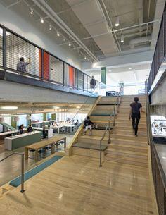 Oficinas de Evernote, la app para recordarlo todo. De todos los detalles nos quedamos con la posibilidad de trabajar en las escaleras. Tiene pinta cómodo