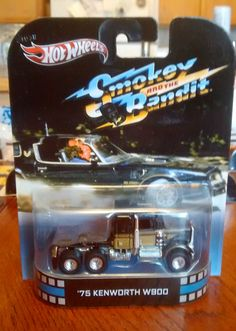 Hot wheels RETRO ENTERTAINMENT Smokie and the Bandit Kenworth with Real riders #HotWheels