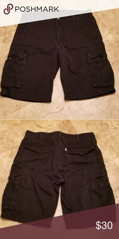 Levi s cargo shorts size 34 Nice cargo shorts that never fit so looking for  someone to 6d4544c73