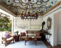 The celling in this pool house is painted to look like a Moroccan tile mosaic.I use to dream of building a Moroccan house!!