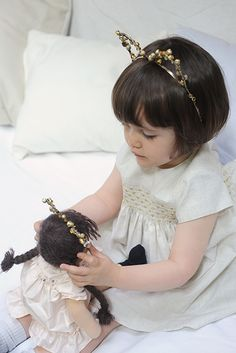 The perfect look for the demands glitter and cat ears Nursery Toys, Girls Wardrobe, Christmas 2015, Kids Fashion, Babies Fashion, Little Princess, Flower Girl Dresses, Flower Girls, Crowns
