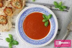 Tomatensuppe mit Käsechips