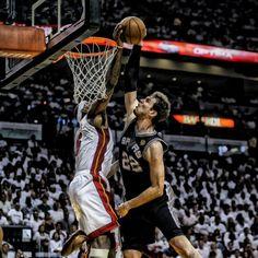 Lebron James blocking Tiago Splitter's dunk attempt