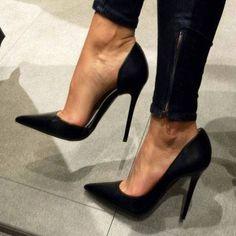 Graceful Women Wearing Pointed-toe Heels