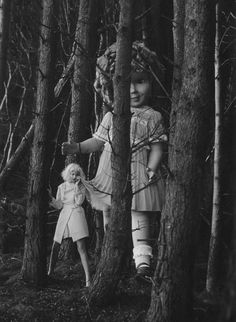 "Vogue Italia, Jan 2012 ""Like A Doll"" Model: Lindsey Wixson Photographer: Tim Walker Fashion Editor: Jacob K Creepy Photography, Art Photography, 60s Films, Creepy Images, Scary Stories To Tell, Broken Doll, Ghost Photos, Experimental Photography, Creepy Clown"
