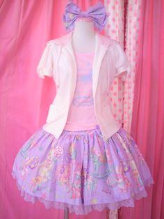 Sweet Lolita.... super cute coord!