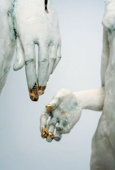 Claire Curneen, Interesting contrast of glazes on the hands of the figures