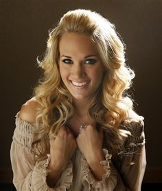 carrie underwood halloween | Carrie Underwood gives boyfriend Mike Fisher a shout out this ...