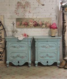 Pintado Cottage Chic Shabby Aqua francés mesa por paintedcottages, $395.00
