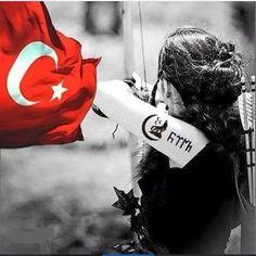 Türk kızı Turkish Military, Turkish Army, Female Soldier, Army Soldier, Turkey Flag, Art With Meaning, Wolf Artwork, Wolf Tattoo Design, Like A Lion