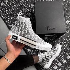 Welcome in our Sneaker Shop You can find : Nike, Balenciaga, Yeezy, McQueen, Travis Scott Sneakers Fashion, Fashion Shoes, Shoes Sneakers, Shoes Heels, Dior Fashion, Club Fashion, 1950s Fashion, Leather Sneakers, Style Fashion