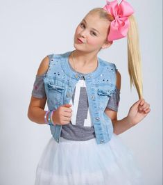 Check out JoJo s Bows at Claires!  65a68c13453c