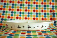 Everything you ever wanted to know about vintage pyrex and more!
