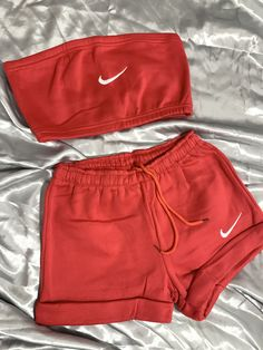 Nike Fashion Outfit, Nike Shorts Outfit, Cute Nike Outfits, Nike Shorts Women, Summer Shorts Outfits, T Shirt And Shorts, Girls Fashion Clothes, Short Outfits, Clothes Pictures
