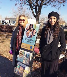 Public witnessing in Oakdale California USA. Photo shared by @just_ice0_0