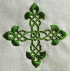 Advanced Embroidery Designs - Ornamental Cross Set