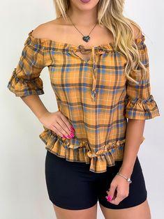 Blusa Xadrez Estampada/Mostarda | Onlauri Cute Blouses, Shirt Blouses, Blouse Styles, Blouse Designs, Burberry Shirt, Cool Outfits, Fashion Outfits, Girls Blouse, Cotton Tunics
