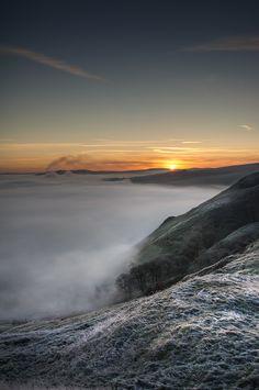 Peak District Sunrise by Andy Astbury on 500px
