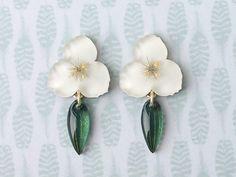 ブライダルベールのお花ピアス・イヤリング - doux