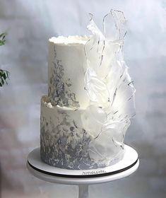 Wedding Cakes With Cupcakes, Cupcake Cakes, Single Tier Cake, Modern Cakes, Wafer Paper Cake, Easy Cake Decorating, Classic Cake, New Cake, Painted Cakes