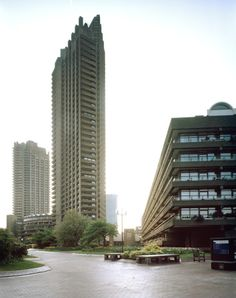 Lived here for years and still spend so much time here. London House, London City, Architecture Details, Interior Architecture, Barbican, Old Street, Brutalist, Skyscraper, Cool Photos